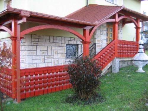 Balkonske ograje (masivni stil) (10)