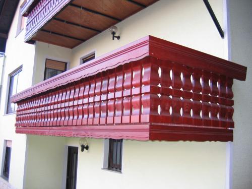 Balkonske ograje (masivni stil) (5)