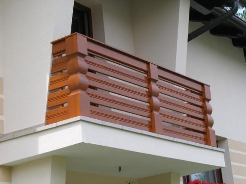 Balkonske ograje (vzdolžni stil) (4)