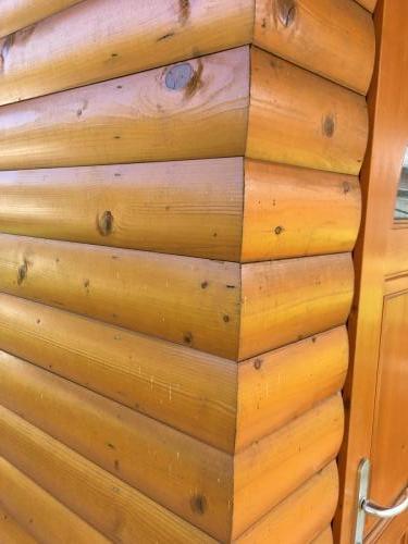 Manjši leseni objekt (4)