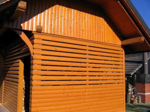 Manjši leseni objekt (9)
